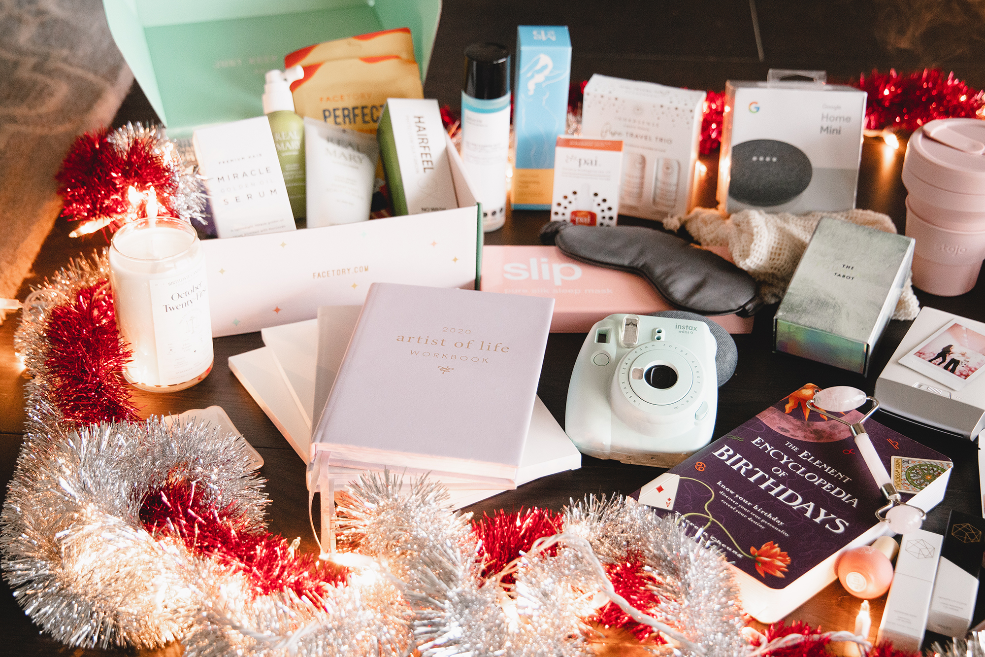 Holiday Gift Ideas | self care, wellness, creativity, eco-conscious, tech